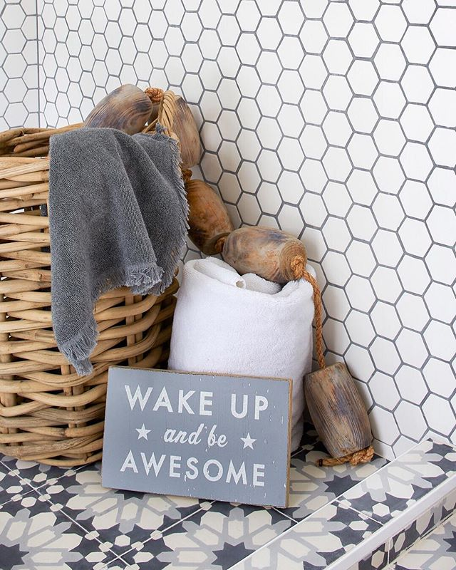 "Our daily mantra ""Wake up and be awesome!"" ✨✨✨ #interiors #ggathome #smmakelifebeautiful #thatsdarling #flashesofdelight #interiordesign #pursuepretty #luxurydesign #california #homeinspo #home #finditstyleit #theeverygirl #lcdotcomloves #smploves #liveauthentic #mysf #interiorinspo #apartmenttherapy #showemyourstyled #abmathome #myoklstyle #sodomino #betterhomesandgardens #handmademodernhome #sanfranciscodesigner #annsacks @peter_medilek_images"