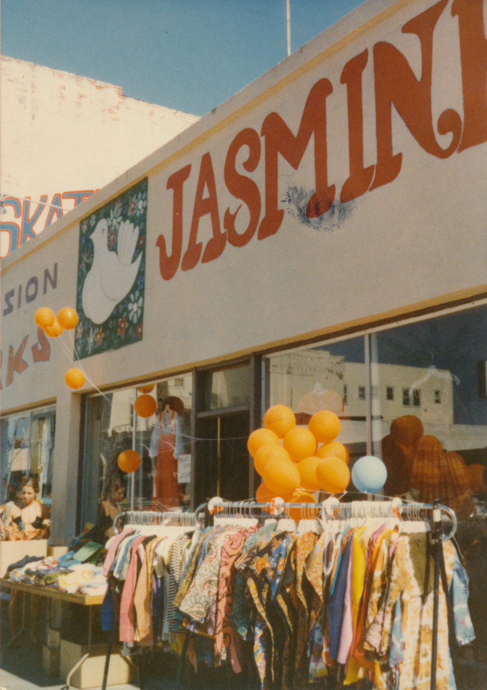 1979 - KRISHAN OPENS A SHOP ON WINDWARD AVE. IN VENICE BEACH. THE SHOP AND LABEL KNOWN AS 'JASMINE' FEATURE A WIDE RANGE OF TRADITIONALLY INDIAN FABRICS, CUTS, AND PRINTS.