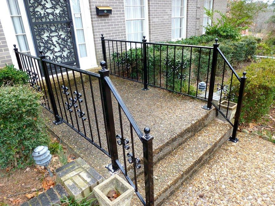 railing .jpg