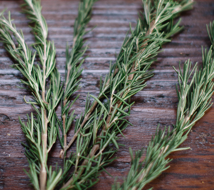 Rosemary Hydrosol - Rosemary has a universal nourishing effect on all skin. It features many great benefits such as reducing inflammation and oiliness while naturally tightening pores.Our hydrosols are 100% contaminant and chemical free so you don't have to worry about putting toxic chemicals on your skin. Unlike other hydrosols, which are produced as byproducts and contain foreign chemicals and toxins, our rosemary hydrosol is delicately stream distilled in-house from the highest quality organic moroccan rosemary leaves leaving  your skin feeling recialized and refreshed with its sweet fragrance.