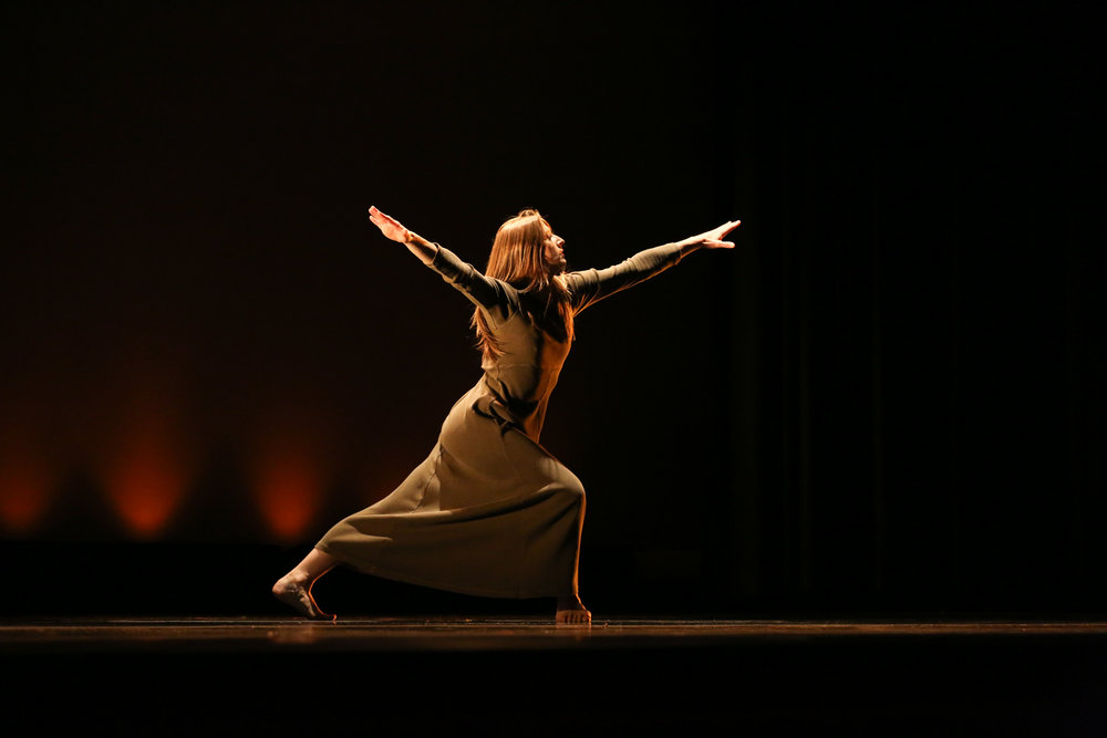 THIS DANCE HAS NO NAME, BUT IT STILL HAS VALUE (2016) Photo by Peter Richter