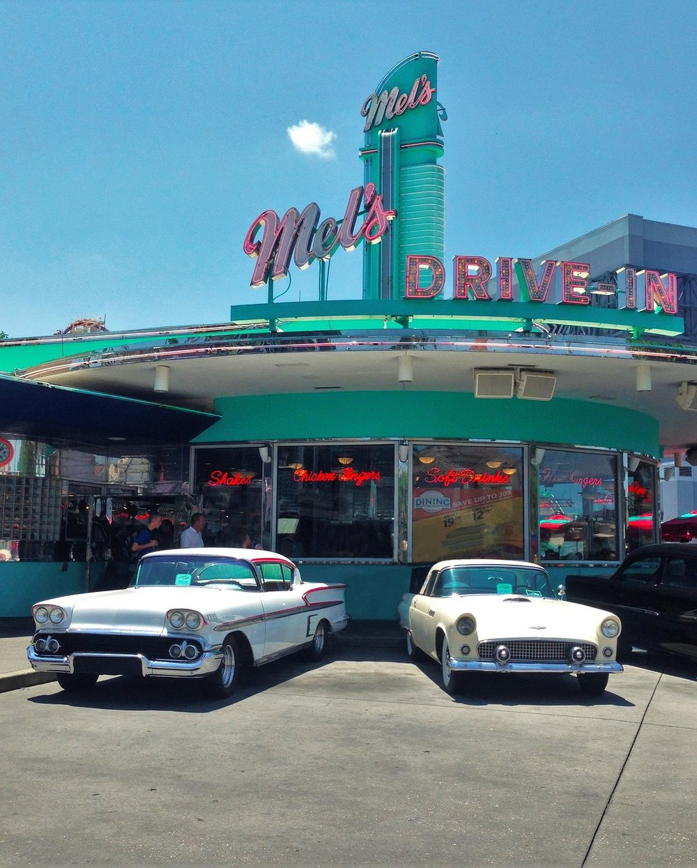 Historic Mel's drive-in is featured in the Classic movie  American Graffiti.