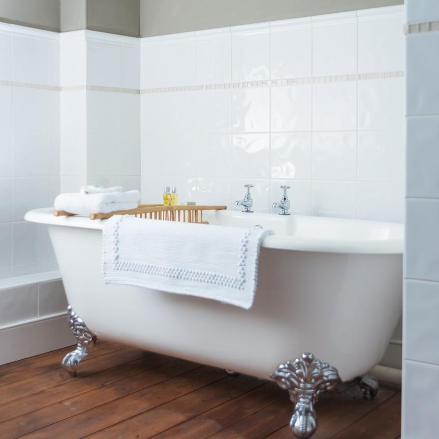 loyton-bath.jpg