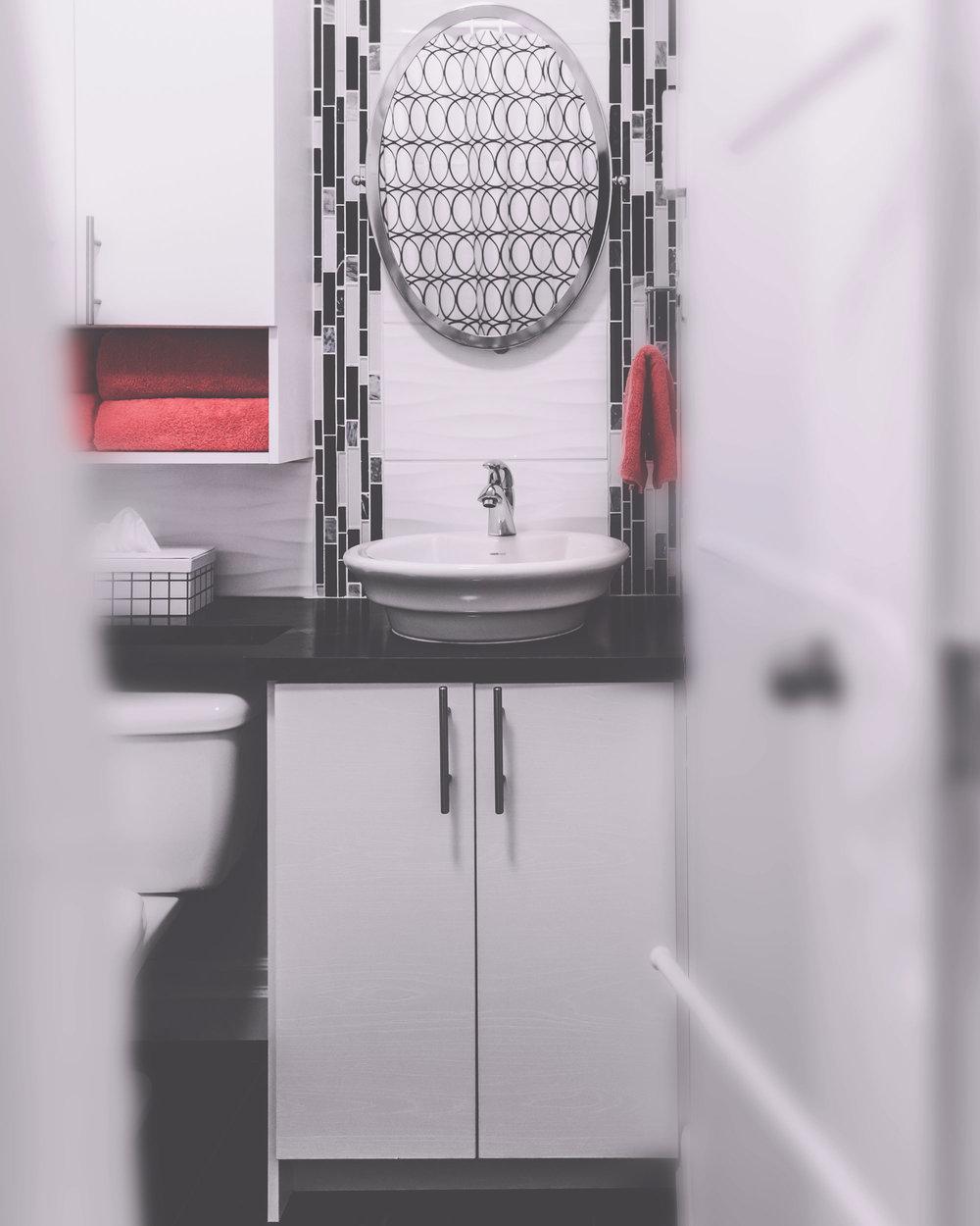 upstairs-bath.jpg