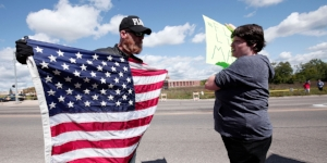 political-polarization-1522084067-article-header.jpg