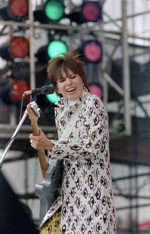 Hynde and Pretenders playing at Live Aid, July 1985