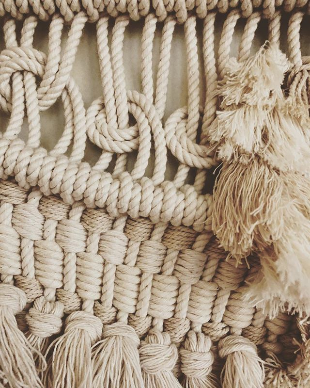 This one is ready for her close up! 📸🎞💁🏼♀️ . . . . . . . . #closeup #itsallaboutthedetails #todaylooksbeautiful #maketodaybeautiful #pdxnow #macrameartist #makersgonnamake #macrame #macrameart