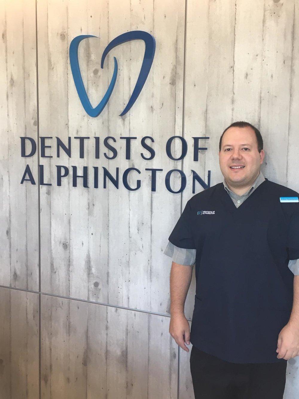 Periodontist implant