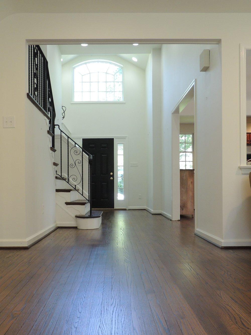 6 - Foyer (2).JPG