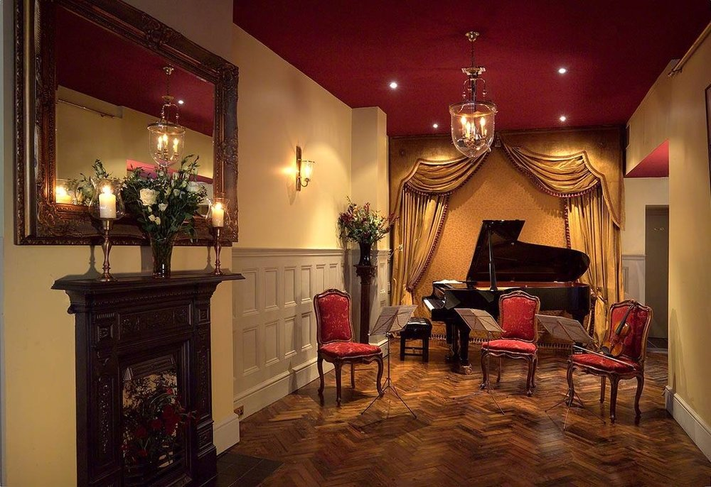 Chopin & Champagne by Candlelight - 1901 Arts Club, WaterlooFriday 22 February, 6pm - 7.30pm, £30Relax with a glass of Champagne during this hour-long piano recital performed from memory in the intimate salon-setting of London's 1901 Arts Club. Finished by 7.30pm so the night will still be young…