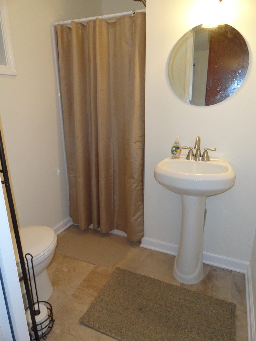East cottage bathroom