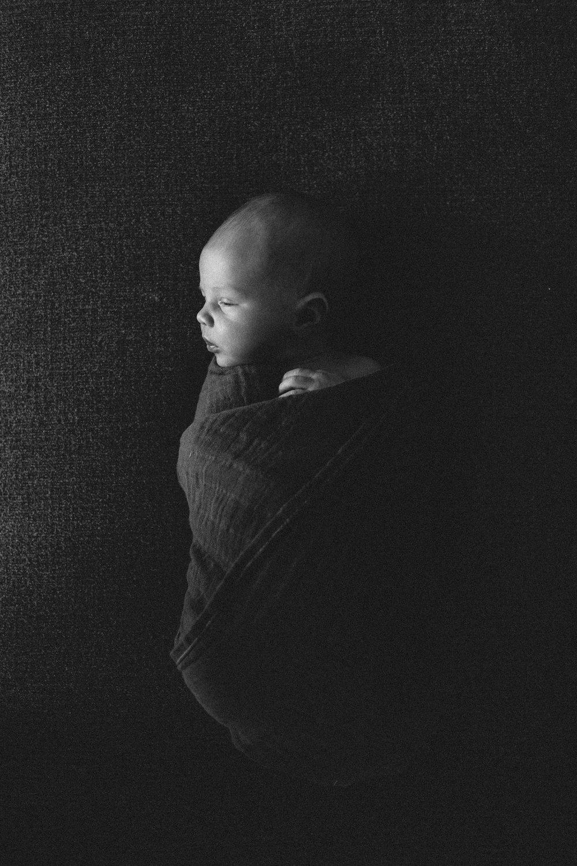 brooks - newborn-16.jpg