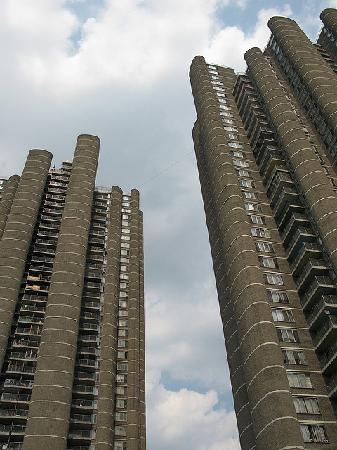 Tracey Towers, 1967