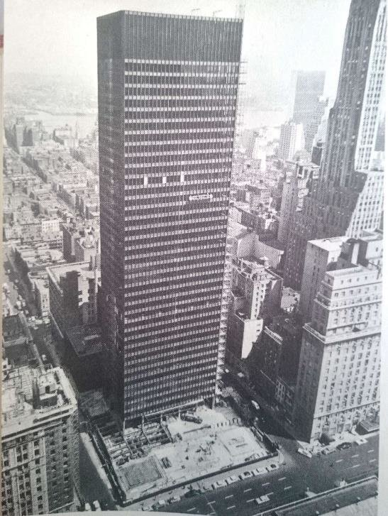 The Seagram Building in New York City, under construction, designed by Mies van der Rohe. Photo: ReseachGate, Hunt, 1958