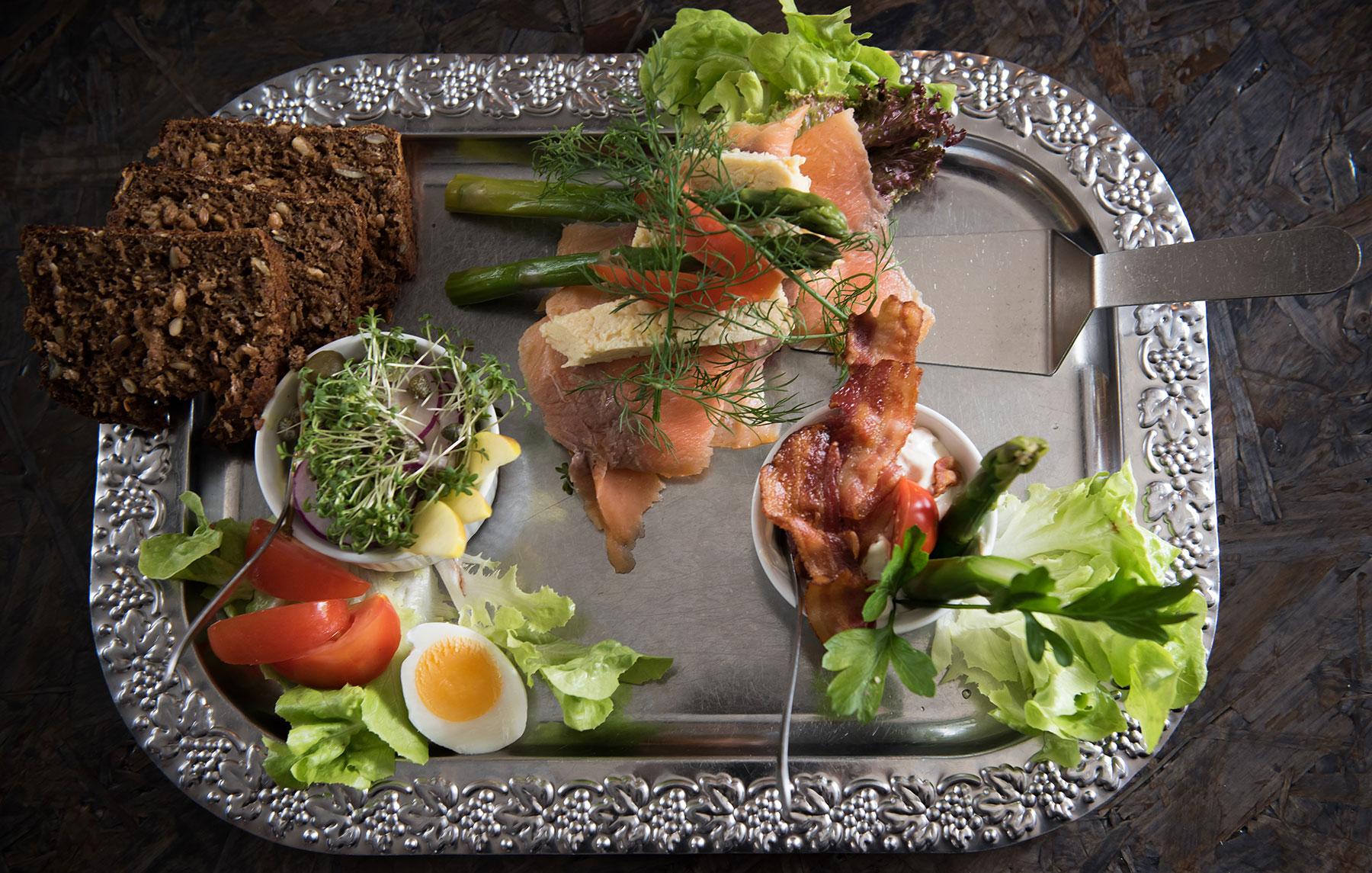 Svaneke-Bryghus-Restaurant-Smorrebrod