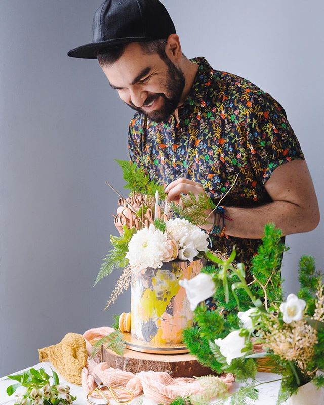 Julián Ángel, aka @historiadelciervo, is taking social media by storm with his herbaceous, multicoloured cakes. Rich in textures and embellishments, Ángel's creations consistently strike just the right balance of proportion, texture and good taste. We sat down to find out more about his role models, techniques and his induction into the world of cake decorating. 🎂 . . . #acornmag #instameet #cakedecorating #feedfeed #cakesofinstagram