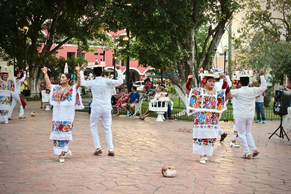 IMG_9507_dancers.JPG