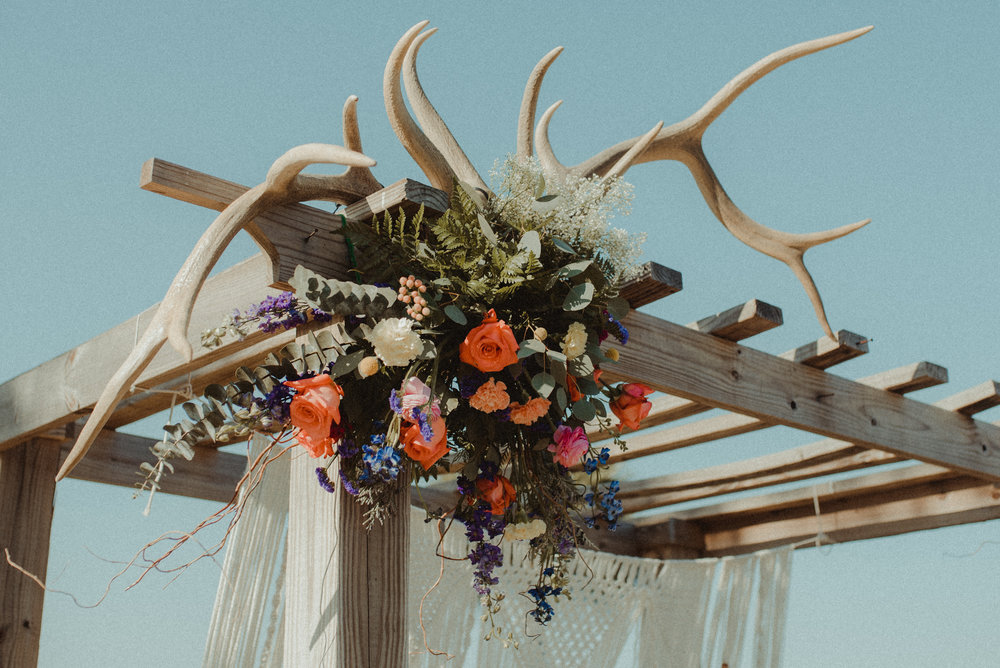 zayda-collin-panama-city-wedding-photography-trippy-bohemian-lisa-frank-wedding-venue-30.jpg