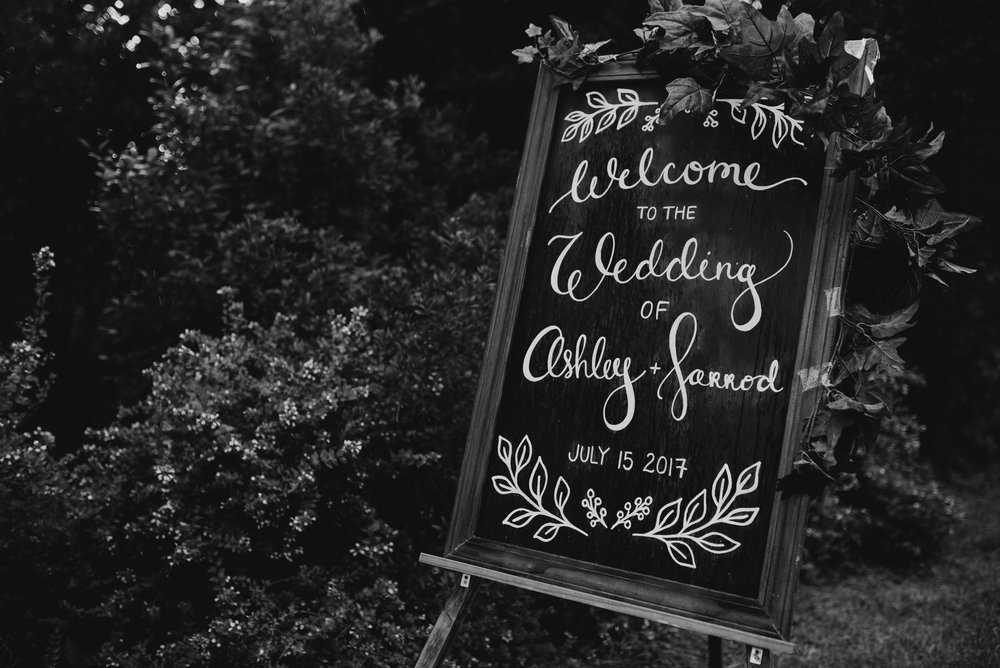 ashley-jarrod-johnson-atlanta-georgia-destination-wedding-photography-fox-and-film-the-mill-at-yellow-river-562.jpg