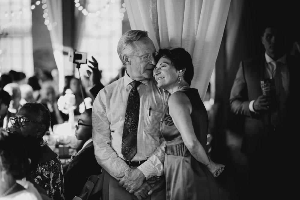 ashley-jarrod-johnson-atlanta-georgia-destination-wedding-photography-fox-and-film-the-mill-at-yellow-river-654.jpg