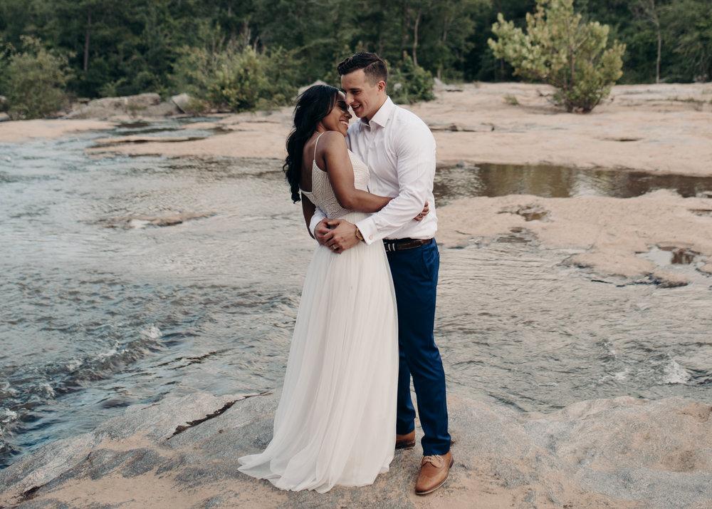 ashley-jarrod-johnson-atlanta-georgia-destination-wedding-photography-fox-and-film-the-mill-at-yellow-river-787.jpg