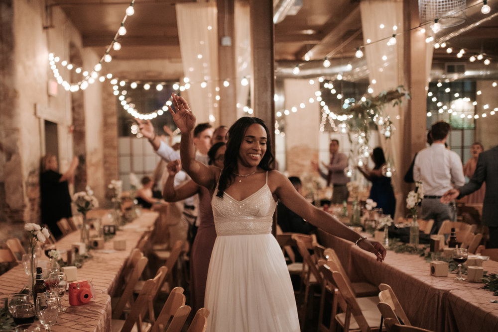 ashley-jarrod-johnson-atlanta-georgia-destination-wedding-photography-fox-and-film-the-mill-at-yellow-river-964.jpg