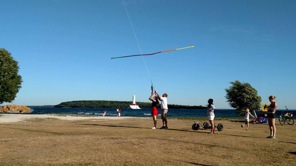 Ben-giving-flying-lessons.jpg