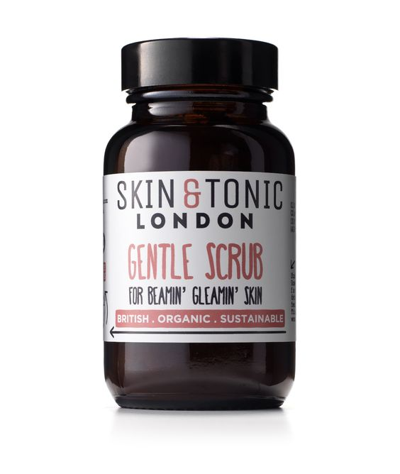 GENTLE SCRUB | 50gBRAND: SKIN & TONIC LONDON - RRP: £18.00Made with certified organic ingredients, this oat, rosehip and French pink clay face scrub is gentle enough to use every day. It'll leave your skin feeling soft and nourished. You can also mix it into a paste to create a hydrating face mask.