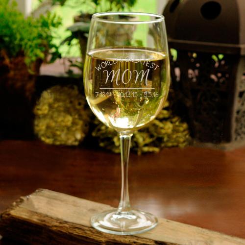 personalized-world-s-greatest-mom-wine-glass.jpg