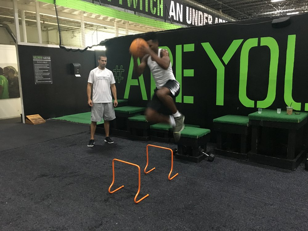 SPORTS PERFORMANCE - In order to improve as an athlete, you must train like an athlete. Fast Twitch's Sport Performance combines traditional resistance training with functional and plyometric movements to prepare you for competition. This sport-specific approach focuses on elements of mobility, movement, strength, power, and conditioning.
