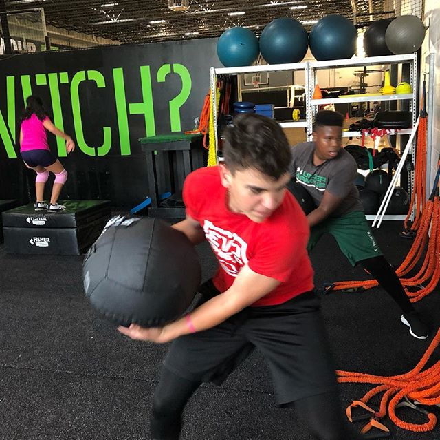 Youth athletes getting after it this week! #offseason #inseason #youth #miami #training #strength #power #core #fasttwitch #baseball #volleyball #soccer #football