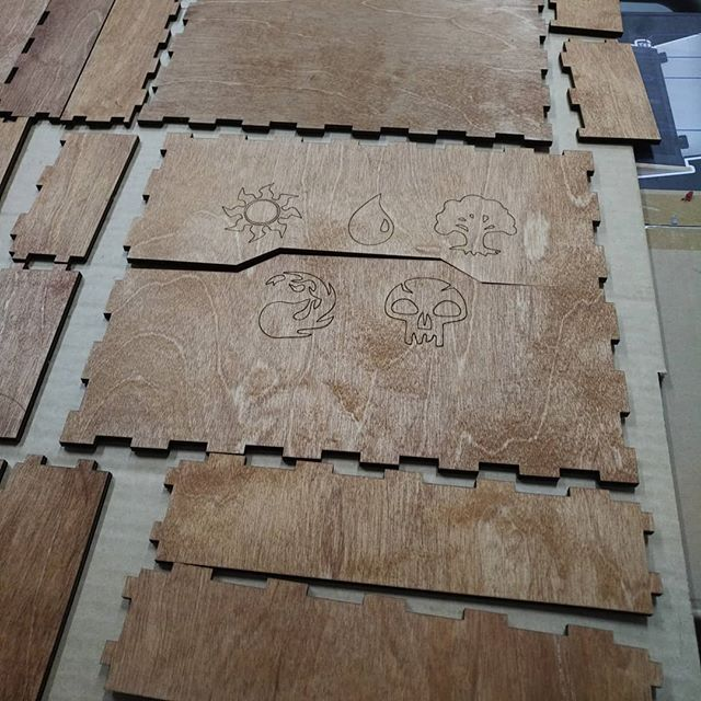 #lasecut #woodendesign #localmaker #stained #pressfit #exacto👌  #tolerances  We have the best makers at  #saultstemariemakerspace  #sundayfunday☀️ #advancedmanufacturing  #advancedtech  #algoma #saultstemarie  #northernontario  #3dprintingservice