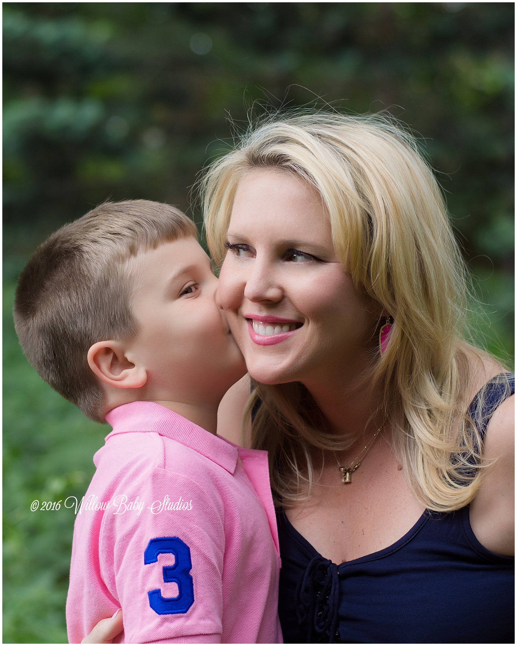 boy-kissing-his-momma-on-cheek