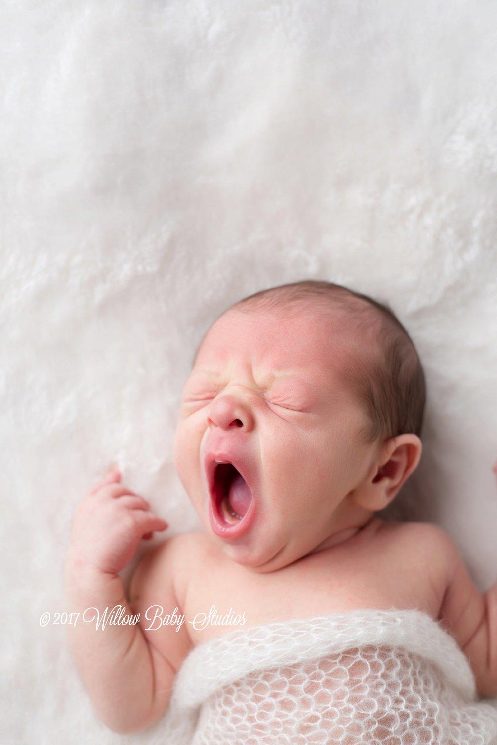 newborn-yawning-big
