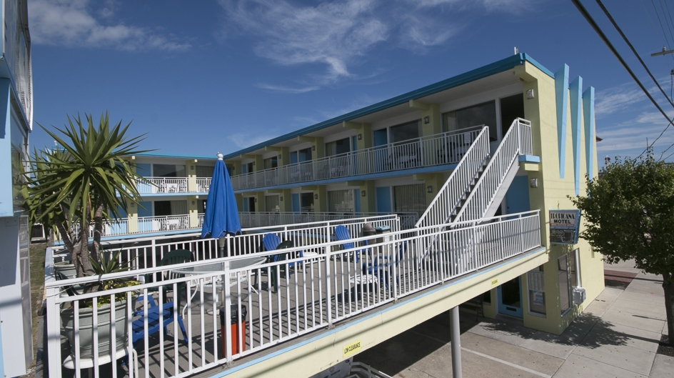 Tropicana Motel in Wildwood