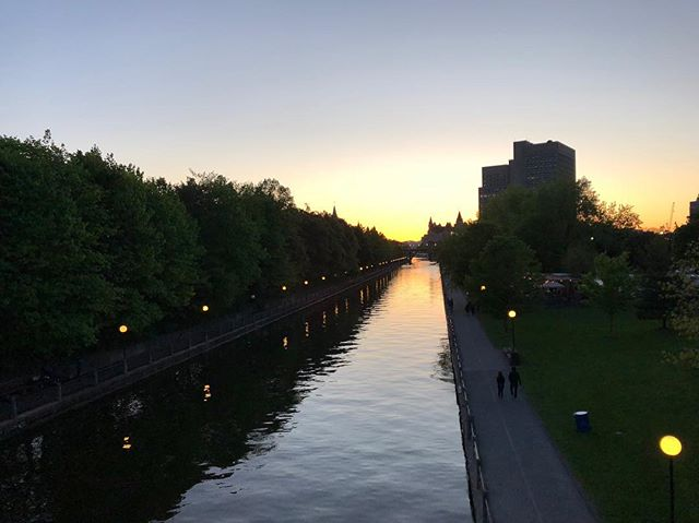 Ottawa sunsets ❤️ • • • • • #summer #canada #canadian #canadianblogger #sunsets #rideaucanal #ottawa #yow #makeup #blogger #singer #songwriter #songs