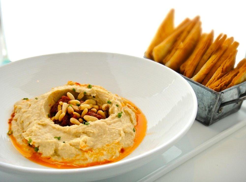 Hummus 2.jpg