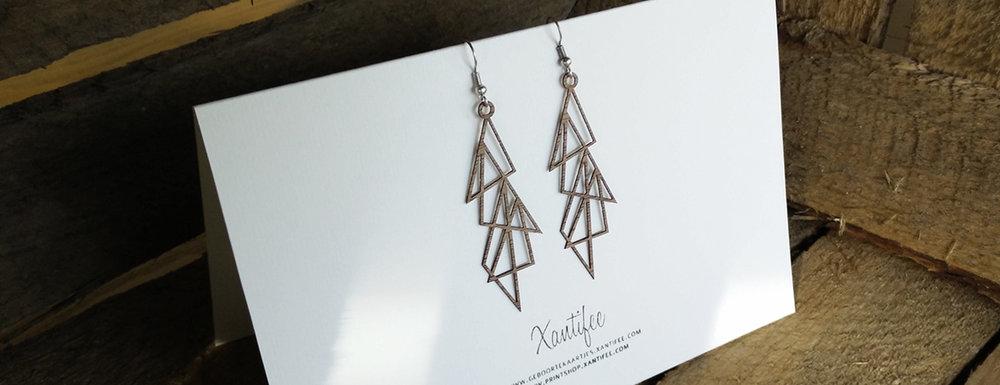 slide_oorbellen-driehoeken-lasercut-hout-by-xantifee.jpg