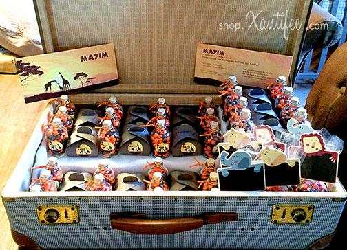 doopsuiker-halfimg-geboortekaartje-giraffen-afrika-koffer-01.jpg