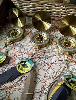 doopsuiker-1-4img-geboorte-compassen-vogel-zwaluw-zomer-reizen-wereldkaart-by-Xantifee.jpg
