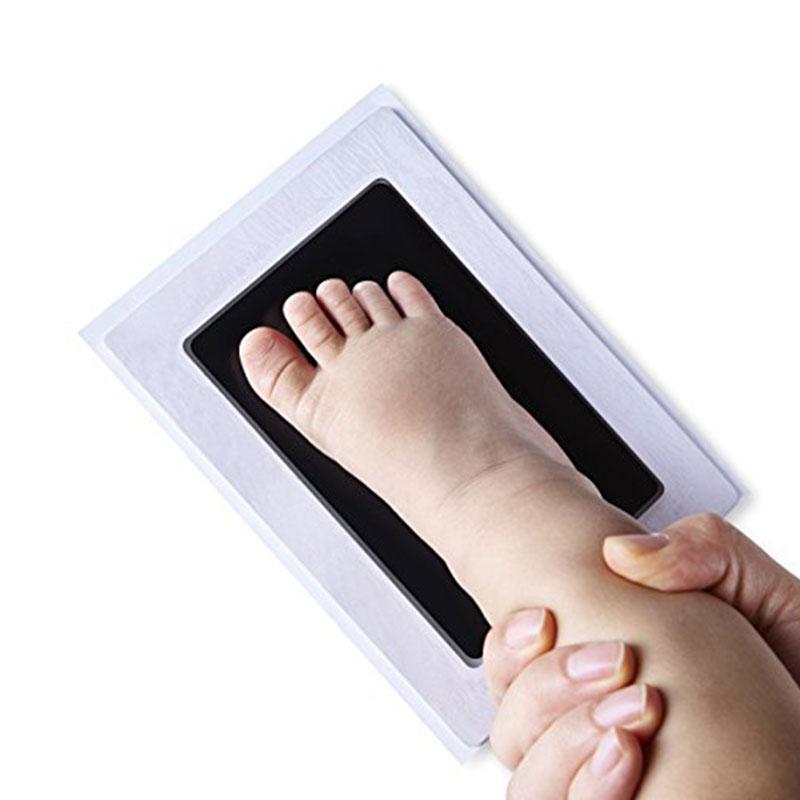 New Baby hand- en voetafdrukjes maken zonder knoeien met dit #DE37