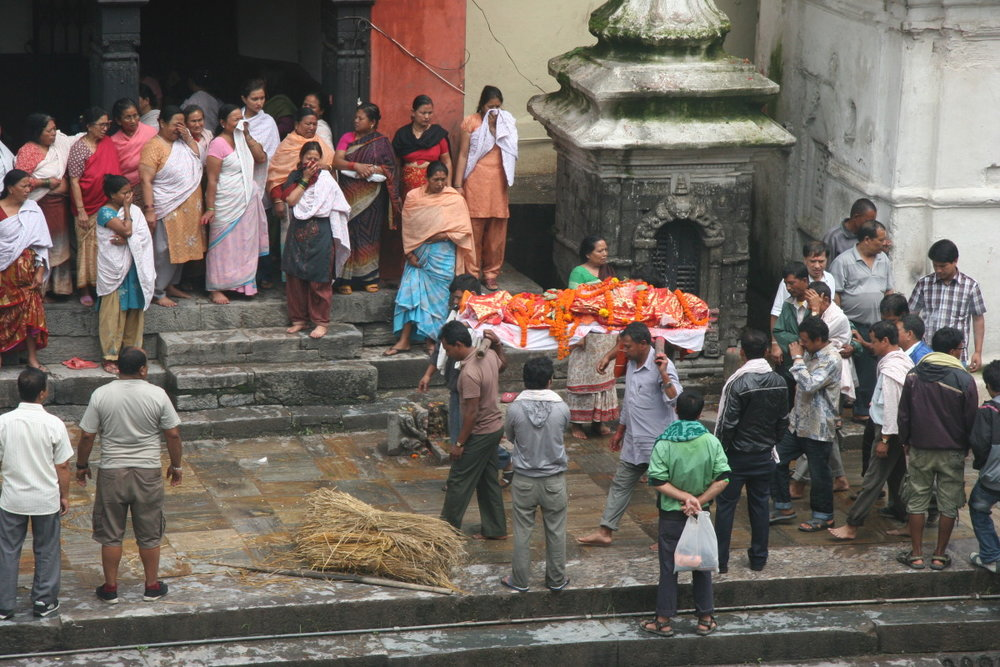 Funeral procession en route to ghat at Pashupatinath