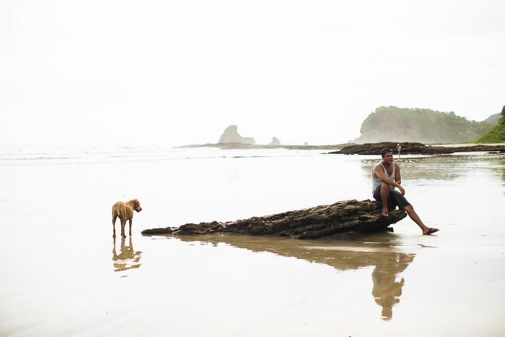 nicaragua-san-juan-del-sur-playa-maderas-dog.jpg