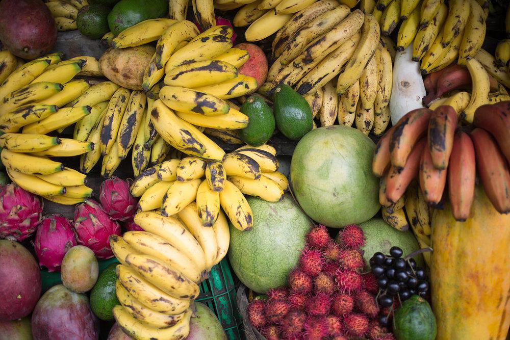 nicaragua-el-camino-travel-tour-fruit-stand-local.jpg