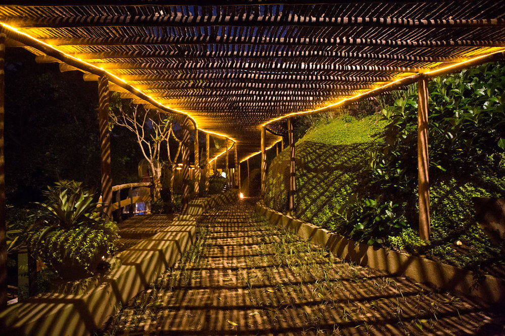 nicaragua-managua-el-camino-travel-tour-lights-el-bajo.jpg
