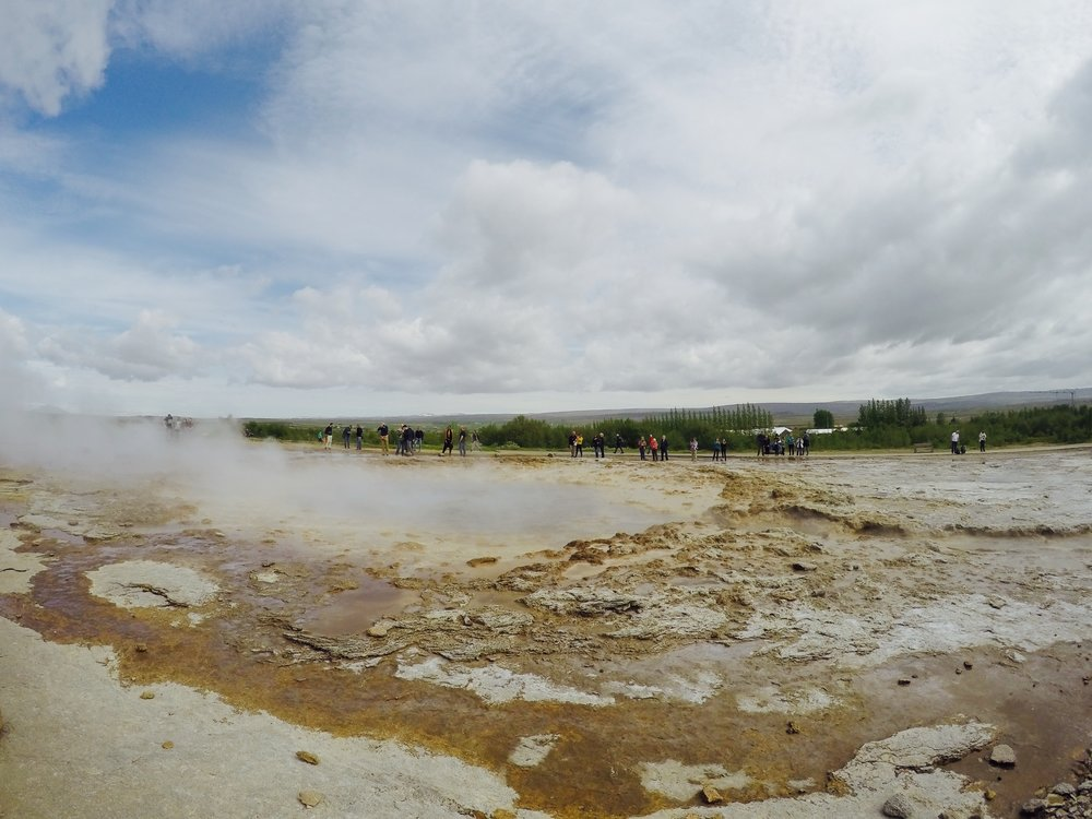 iceland-geyser.jpg