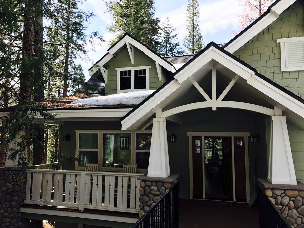 yosemite-west-airbnb-cabin.jpg