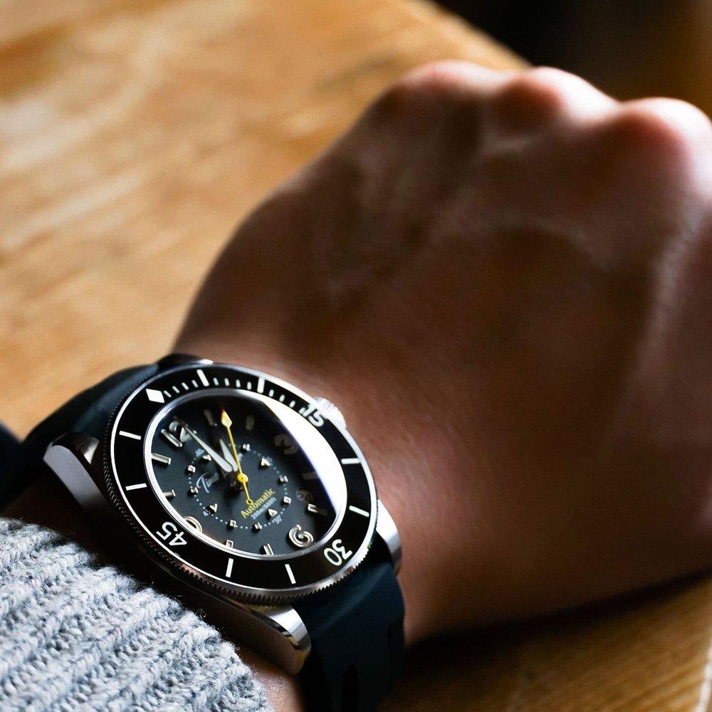 Time-Locker-dive-watch_ceramic-bezel.jpg