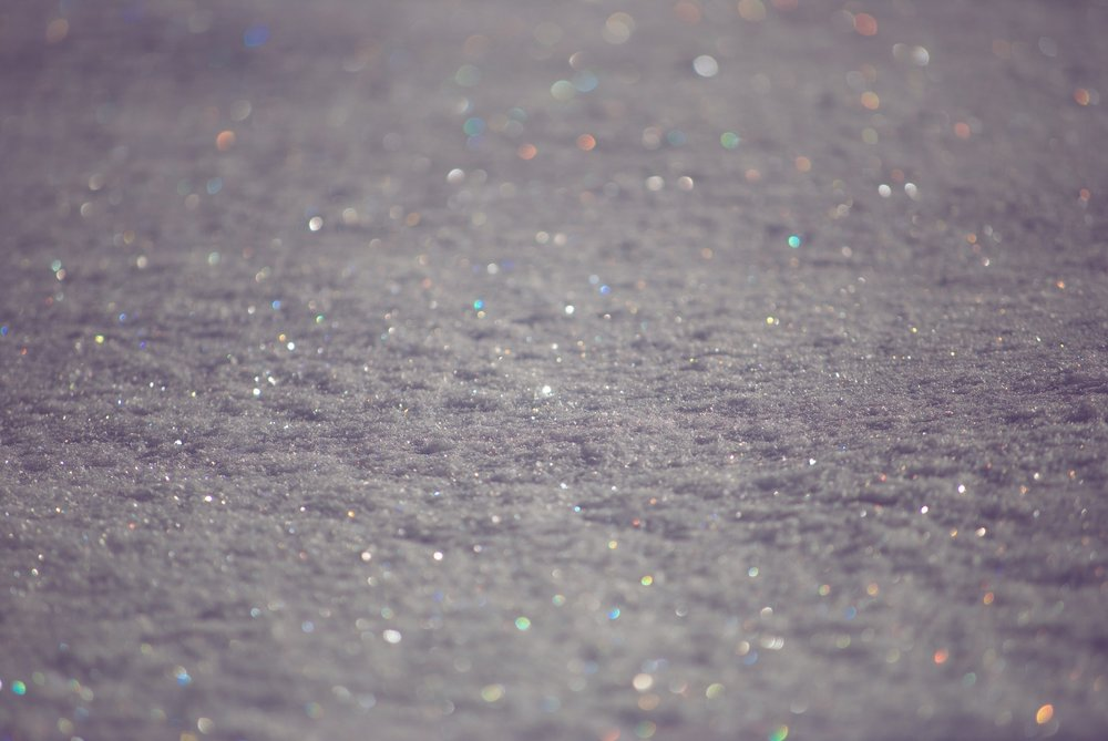 Opalescent gray sand