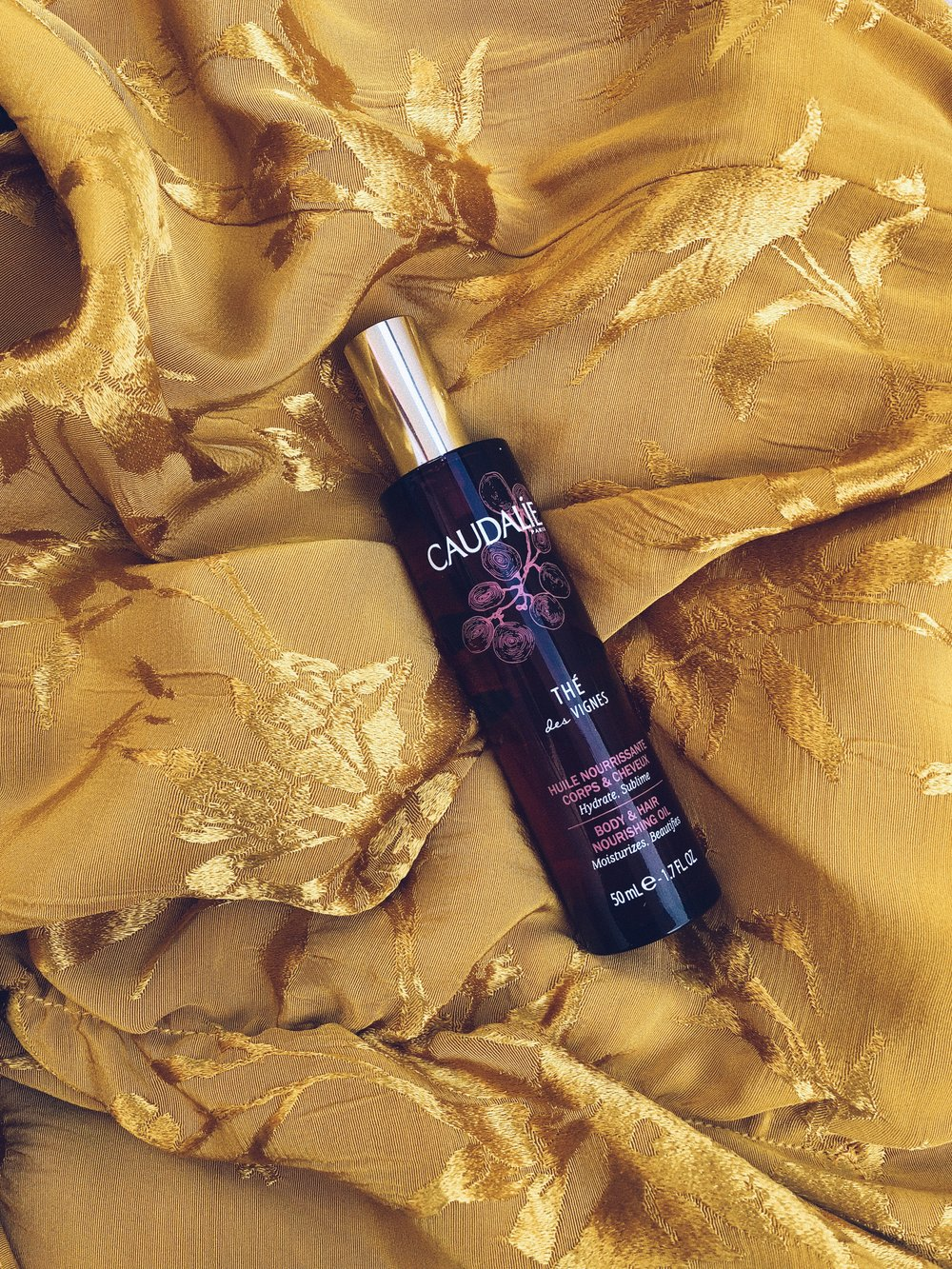 AS YOU KNOW, WE ARE BIG FANS OF CAUDALÍE. RECENTLY HAVE FALLEN FOR    CAUDALÍE'S THÉ DES VIGNES   LINE. WE NOT ONLY LOVE THE SUBTLE BUT SENSUAL SCENT OF THIS OIL FOR BODY & HAIR, WE ALSO LOVE THAT IT'S MOISTURIZING AND NOURISHING. IT CONTAINS ARGAN OIL, KARITÉ BUTTER AND SESAME OIL AS WELL AS GRAPE SEED OIL MEANING YES, IT LEAVES YOUR SKIN BABY SOFT. -T